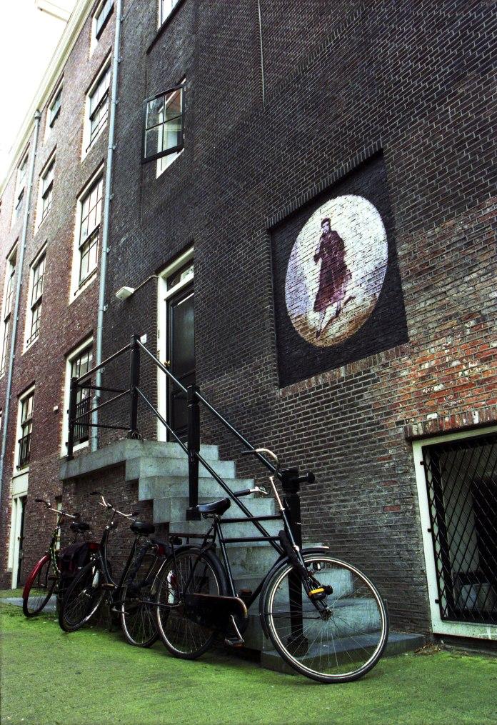 bikes-street-windows